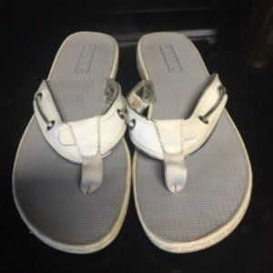 Sperry Top Sider White Patent Leather flipflop